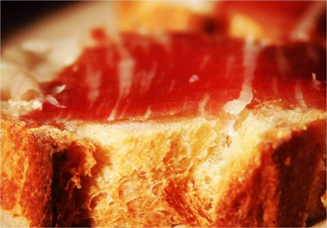 The BEST bread for Jamón Ibérico