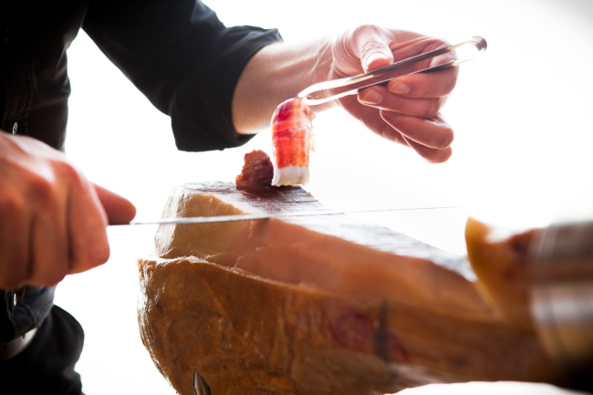 10 Tips to Become the Master of Jamon Iberico at Parties!