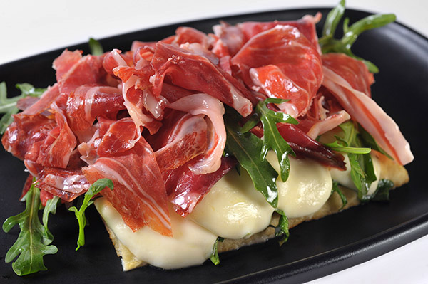 Ibérico Ham, Mozzarella & Arúgula Toast